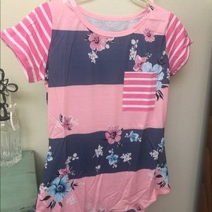 Tops - Floral Tee Brand New!